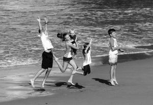 Kids jumping_MG_2132bw